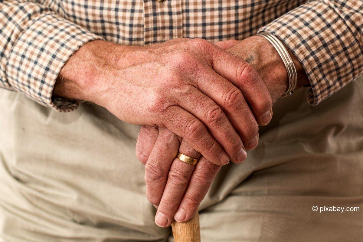 BFS: Lebenserwartung von Männern steigt schneller